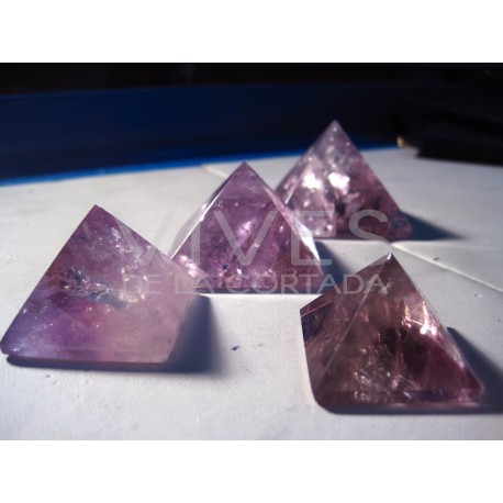 Piramides de amatista