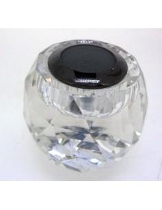 Expositor de vidrio tallado para piedra tallada en forma de barril.