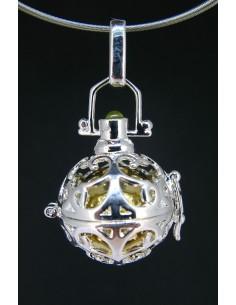 Colgante llamador de ángeles 2 con cabujón de olivino (baño de plata)